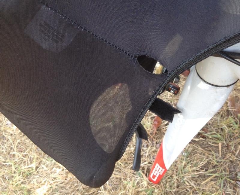 Scicon Bike Defender: hole in lycra