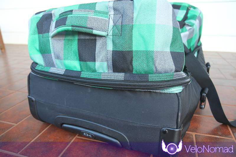 Dakine Split Roller Review:Bottom clamshell black bash material guard